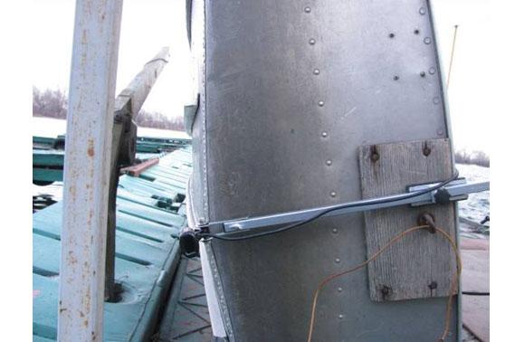 На гребной лодке без двигателя лучше установить датчик эхолота по килевой линии